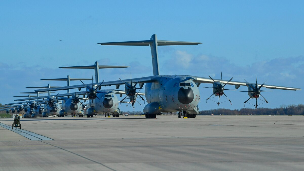 Several Airbus A400M military transport planes of the German Air Force stand on the runway of a military air base on Jan. 2, 2019, in Wunstorf, Germany. (Thomas Starke/Getty Images)